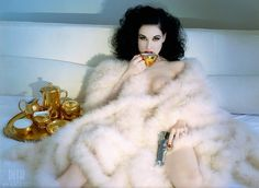 Hypnotic Beauties Fashion Mode, Burlesque Model, Dita Von Teese Burlesque, Dita Von Tease, Her Style, Pin Up Girls, Fur Coat, Boudoir, Audrey Kitching