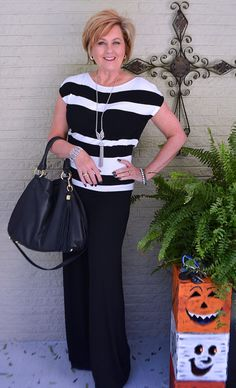 50 IS NOT OLD | BLACK AND WHITE | CLASSIC | SLIMMING | FALL TRANSITION | FASHION OVER 40 FOR THE EVERYDAY WOMAN