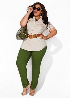 Plus size fashion. OKAY I need these green pants. Curvy Girl Fashion, Love Fashion, Plus Size Fashion, Autumn Fashion, Womens Fashion, Look Plus Size, Plus Size Women, Mode Plus, Full Figure Fashion