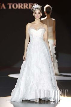 Ana Torres - Bridal - 2011 Collection - http://en.flip-zone.com/fashion/bridal/couture/ana-torres-1709
