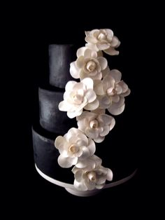 Black and white flowers wedding cake