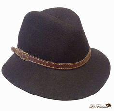 Sombrero de mujer de copa partida. Talla única. Material lana. Cinta de  cuero a7c6c4e2e78