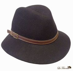 Sombrero de mujer de copa partida. Talla única. Material lana. Cinta de  cuero e2fc08b5055