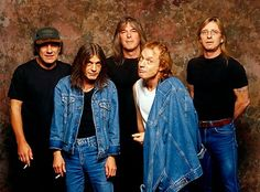 Photo of AC/DC LR Brian Johnson Malcolm Young Cliff Williams Angus Young Phil Rudd posed studio group shot at Rockwalk Induction Angus Young, Bon Scott, Brian Johnson, Hard Rock, Rock N Roll, Evans, Hollywood Songs, Best Rock Music, Malcolm Young