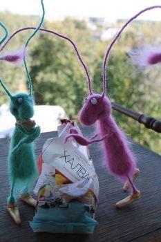 needle felted animals Wool Needle Felting, Needle Felting Tutorials, Needle Felted Animals, Wet Felting, Felt Animals, Felt Bookmark, Felt Bunny, Felt Patterns, Cute Toys