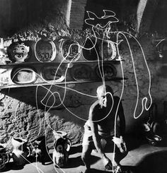 Incredible photos of Picasso drawing with light