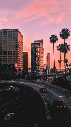 LA - Los Angeles, California at sunset- travel photography pictures, photos, ins. Beautiful World, Beautiful Places, Beautiful Pictures, Bright Pictures, House Beautiful, Beautiful Sunset, City Photography, Photography Courses, Photography Timeline