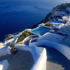 SANTORINI island (Στο νησί της Σαντορίνης των Κυκλάδων), CYCLADES islands group - GREECE by @catgonia