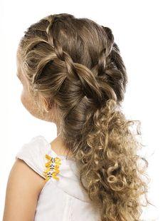 penteados para crianças - Pesquisa Google Girly Hairstyles, Latest Short Hairstyles, Plaits Hairstyles, Flower Girl Hairstyles, Little Girl Hairstyles, Kids Haircut Places, Wedding Curls, Hair Upstyles, Love Hair