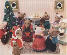 Ravelry: Dickensian Party Mice (Indoor) pattern by Alan Dart Crochet Mouse, Knit Or Crochet, Crochet Dolls, Christmas Tree Knitting Pattern, Knitting Patterns Free, Crochet Patterns, Free Pattern, Holiday Crochet, Knitted Animals