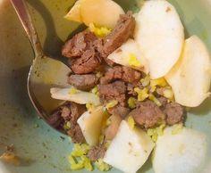 Szaftos zsíros marhahús, feketeretek, egy kanál currys rizs