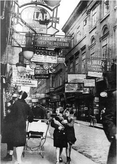 Király Street, Budapest, 1929 :: Photo by Imre Kinszky. a main thoroughfare in one of Budapest's biggest Jewish neighborhoods. Old Pictures, Old Photos, Vintage Photographs, Vintage Photos, Cultura Judaica, Jewish History, Budapest Hungary, Hiroshima, The Good Old Days