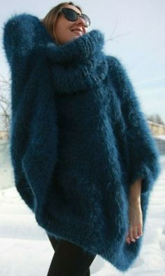 Stylish Sweaters Outfit For Cold Winter - GalaFashion Street Style Women Outfits Knitted Coat, Mohair Sweater, Poncho Sweater, Sweater Coats, Cotton Sweater, Sweater Outfits, Cashmere Sweaters, Sweater Fashion, Big Knits