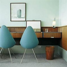 Royal Hotel in Copenhagen. The last room with the original design. Ooh how I love Danish mid century modern