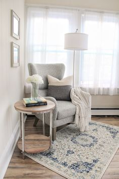 Corner Reading Nooks, Bedroom Reading Nooks, Cozy Reading Corners, Bedroom Nook, Bedroom Decor, Cosy Corner, Living Room Decor Tips, Living Room Decor Inspiration, Living Room Sofa
