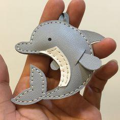 Tamaño pequeño Dory el delfín encanto de cuero por leatherprince