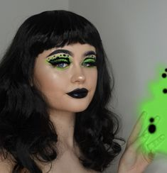 SHEGO the eye look is inspired by _________ TUTORIAL for this is now up on my channel and i messed up but i TRIED! graphic liner is hard __________ green neon dust; eyeliner & lipstick (full details in my tutorial) __________ WIG: Bettie __________ Character Halloween Costumes, Creepy Halloween Makeup, Halloween Looks, Halloween Outfits, Pretty Nose, Edgy Makeup, Creative Makeup Looks, Colorful Eye Makeup, Looks Black