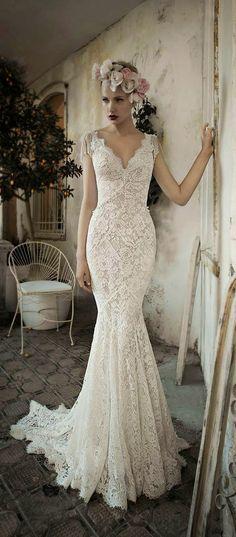 mermaid lace vintage wedding dresses / http://www.himisspuff.com/vintage-wedding-dresses-you-will-love/4/