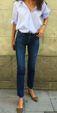 summer outfits  Blue Shirt   Navy Skinny Jeans   Leopard Pumps