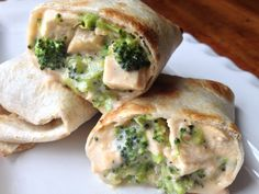 Your Kids will love this one! Cheesy Chicken Broccoli Pockets are filled with healthy chicken and broccoli. This crispy wrap…