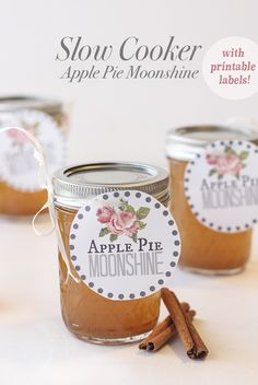 Slow Cooker Apple Pie Moonshine. There are printable labels too, so you can jar this in mason jars and give as gifts this Christmas!
