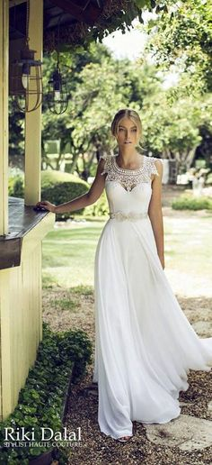 Flow white wedding dress