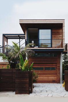 wa nna this modern house.  uhh its great