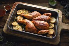 Az egyik legnépszerűbb szárnyas a csirke, bármelyik részét felhasználhatjuk, a hazai és a világkonyha kedvelt alapanyaga, számtalan fogás készíthető belőle.