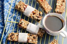 I found a great recipe for Breakfast Bars Breakfast Bars, Breakfast Recipes, Chocolate Fondue, Kos, Great Recipes, Desserts, Deserts, Dessert, Postres