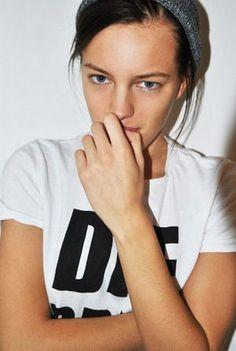 女性でありながら、男性モデルとして活躍しているErika Linder(エリカ・リンダー)のまとめです。まさに男装の麗人。中性的 ノージェンダー ジェンダーフリ...