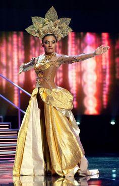 vegas costumes | Syazwan Tahir: Previous Miss Malaysia Universe National Costume