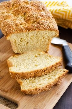 I really want to try new gluten-free bread recipes and this Gluten Free Quinoa Bread looks so good! I can't wait to cook this easy recipe for my family. It looks like the perfect way to enjoy bread on a gluten free diet. SO PINNING! Wheat Belly Recipes, Wheat Free Recipes, Gf Recipes, Clean Recipes, Gluten Free Recipes, Cooking Recipes, Healthy Recipes, Healthy Meals, Chicken Recipes