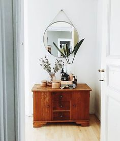 Circle mirror // entryway ideas // home decor // - : friday finds. Circle mirror // entryway ideas // home decor // - Decor Interior Design, Interior Decorating, Contemporary Interior, Hallway Decorating, Scandinavian Interior, Entryway Mirror, Modern Entryway, Entryway Decor, Rustic Entryway