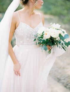 Scottsdale, Arizona Wedding With a Natural Design