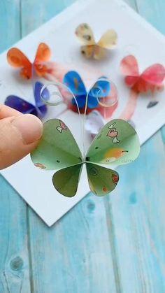 Diy Crafts Hacks, Diy Crafts For Gifts, Diy Arts And Crafts, Diy Crafts Videos, Fun Crafts, Paper Flowers Craft, Paper Crafts Origami, Paper Crafts For Kids, Preschool Crafts