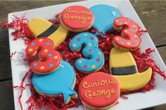 A character inspired set of Curious George cookies Monkey Birthday Parties, Birthday Party Design, Baby Birthday, Birthday Ideas, Curious George Party, Curious George Birthday, Party Cakes, Cookie Decorating, First Birthdays