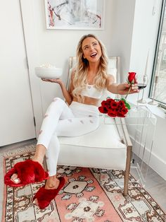 Thoughtful Valentine's Gifts For Him Valentines Outfits, Valentines Gifts For Him, Poses For Pictures, Picture Poses, Dani Austin, Flower Girl Photos, Winter Trends, Photoshoot Inspiration, Loungewear