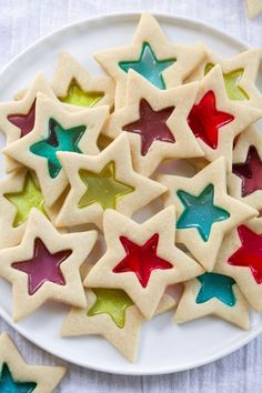 Bake these Christmas cookies for the next holiday gathering. # christmas Baking 85 Easy Christmas Cookies to Bake for Your Holiday Gatherings Easy Christmas Cookie Recipes, Christmas Sugar Cookies, Christmas Snacks, Christmas Cooking, Holiday Desserts, Holiday Baking, Holiday Recipes, Christmas Baking For Kids, Christmas Cupcakes