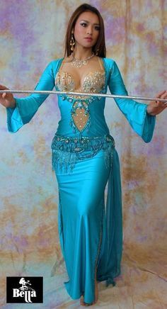 Bella Saidi or Beledi Dress. Gorgeous teal belly dance dress with a mesh cut out and beaded hip accents. Belly Dancer Costumes, Belly Dancers, Dance Costumes, Dance Outfits, Dance Dresses, Sexy Dresses, Danza Tribal, Tribal Belly Dance, Dance Oriental