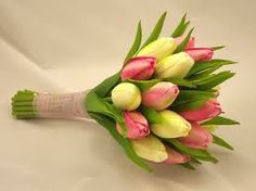 tulip wedding flowers - gorgeous for a Spring Wedding