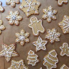 ~ Christmas Sugar Cookies, Christmas Baking, Gingerbread Cookies, Zoella Christmas, Cake Cookies, Yummy Treats, Bakery, Xmas, Cooking Recipes