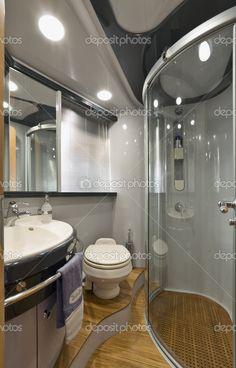 Italia, Nápoles, aqua 54' yate de lujo, cuarto de baño principal - Imagen de stock: 3994529