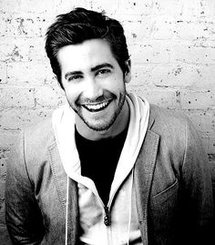 Celebrity Male Dimples - Jake Gyllenhaal - Click to Discover what Your Face Reveals with a Professional Face Reading and Face Compatibility Reading. :)