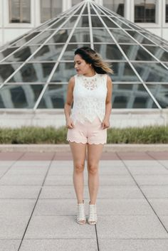 White lace top // Pi
