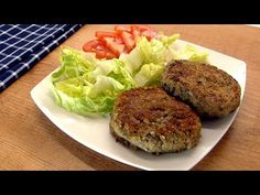 HAMBURGUESAS DE LENTEJAS - YouTube Spanish Food, Grubs, Beets, Salmon Burgers, Tapas, Cabbage, Good Food, Healthy Recipes, Dinner