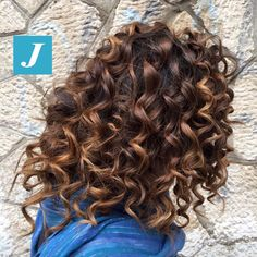 I capelli ricci con il Degradé Joelle? Eccoli! #cdj #degradejoelle #tagliopuntearia #degradé #igers #musthave #hair #hairstyle #haircolour #longhair #oodt #hairfashion #madeinitaly