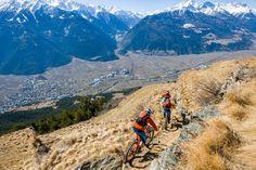 Tijd voor een afdaling met een geweldig uitzicht op de Alpen.