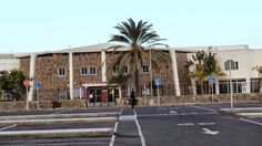 Canary Islands : Centro Sociocultural de Mayores de San Fernando de...
