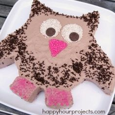 Easy Owl Cake With - Happy Hour Projects Owl Cupcakes, Cupcake Cakes, Fruit Cakes, Cupcake Ideas, Easy Owl Cake, Cool Whip Frosting, Ladybug Cakes, Cake Shapes, Specialty Cakes