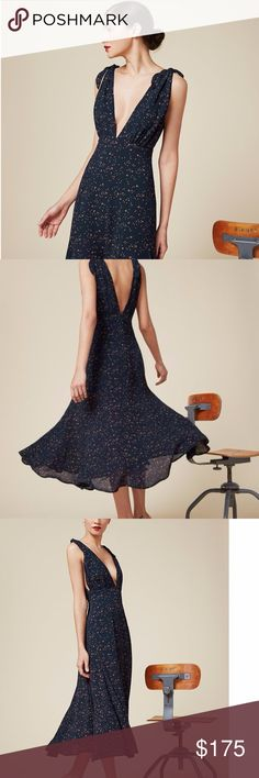 Reformation Adularia dress in celestial print Gorgeous deep v tie dress in starry print. Reformation Dresses Midi